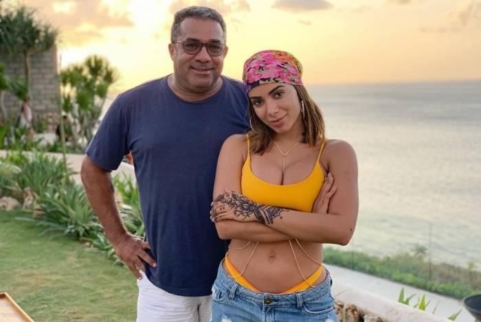 Anitta com o pai, Mauro Machado