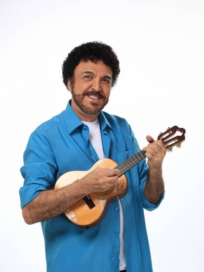 Luiz Ayrão lança EP cheio de participações, com música