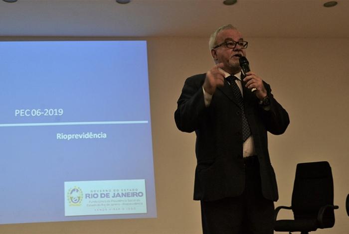 Presidente do Rioprevidência, Sérgio Aureliano afirmou que manterá a alíquota ordinária de 14% e não vai optar pela progressividade