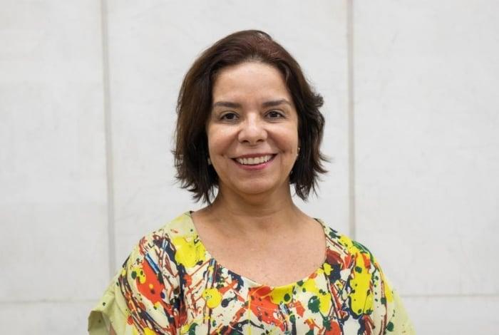 Denise Pires é médica e professora do Instituto de Biofísica da UFRJ