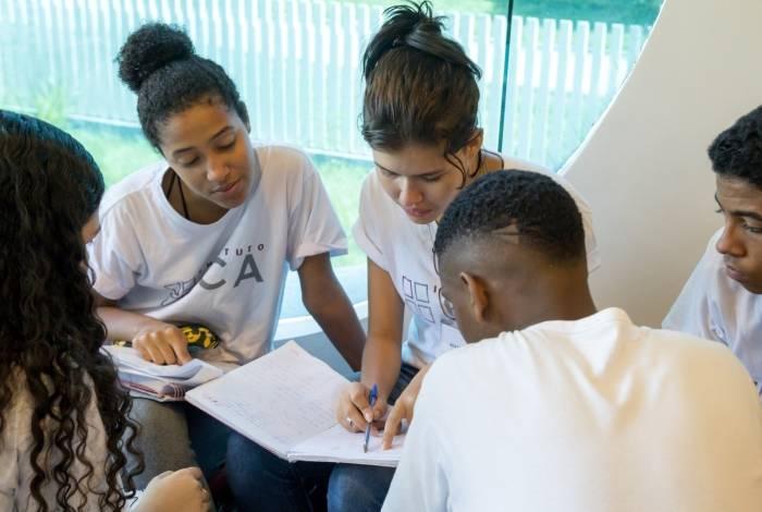 Na primeira fase do programa, alunos receberão aulas de reforço em Língua Portuguesa e Matemática