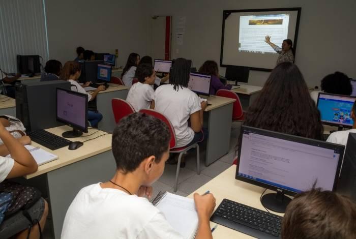 Instituto JCA abriu inscrições para aulas gratuitas de reforço escolar com bolsas para cursar o Ensino Médio