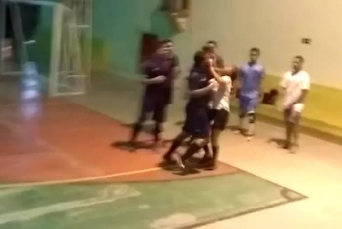 Árbitra foi agredida