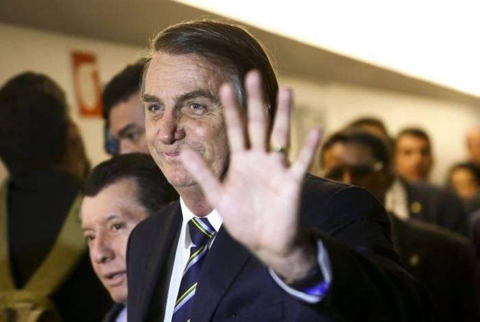 Presidente Jair Bolsonaro vai à Câmara dos Deputados para entregar ao presidente Rodrigo Maia o projeto de lei que altera as regras da carteira nacional de habilitação (CNH)