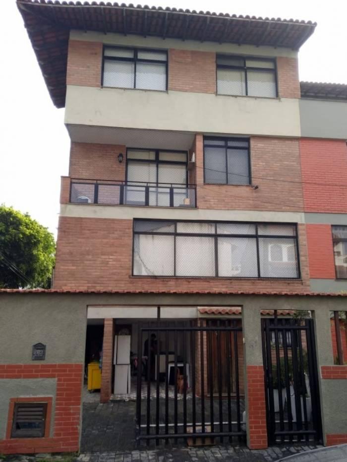 Buscas estão sendo feitas em vários endereços do Rio