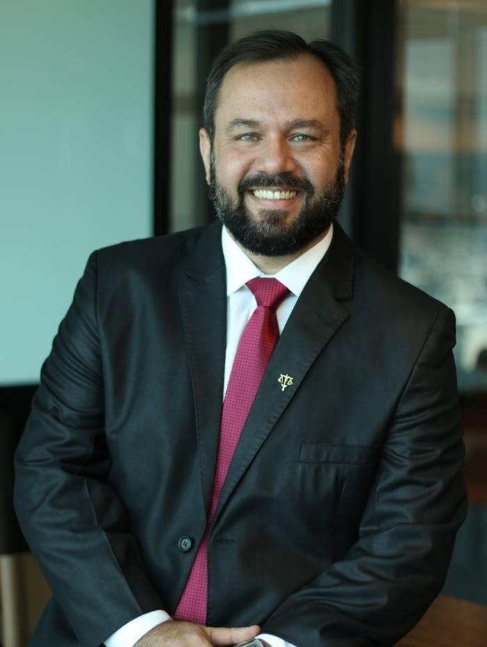 Leandro Souza, advogado especialista em Direito Imobiliário