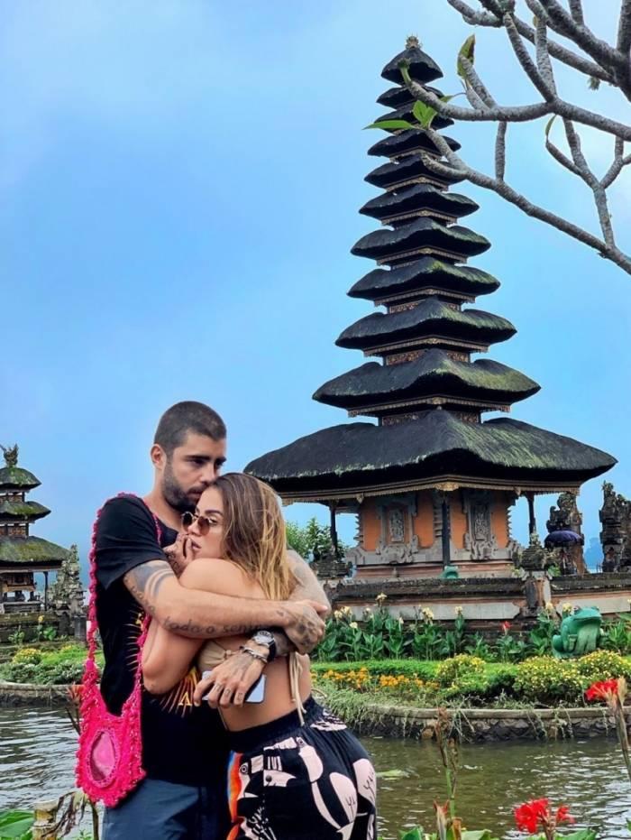 Anitta e Pedro Scooby em Bali, na Indonésia. Casal está sendo chamado de Pedritta
