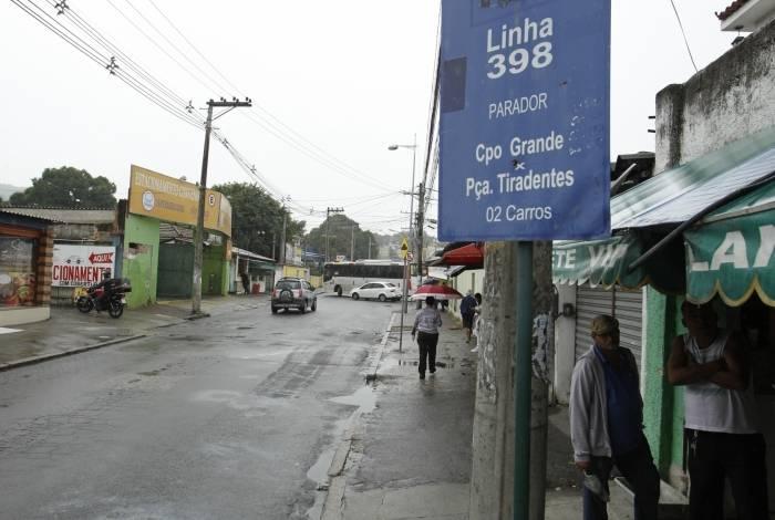 Moradores de Campo Grande sofrem com o desaparecimento de linhas de ônibus, entre elas a 398