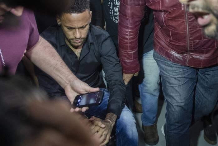 Neymar vive momento complicado na carreira