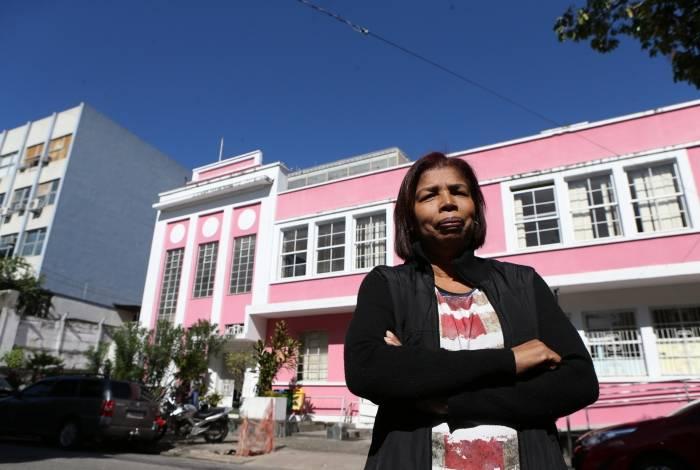 Catia Monteiro Lima vai todos os dias ao Hospital do Andaraí para tentar receber remédios para quimioterapia. Operada de um câncer de mama, ela precisa urgentemente continuar o tratamento
