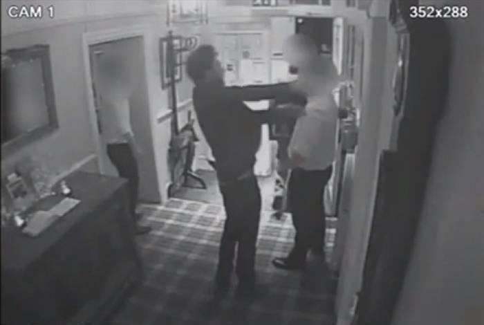 Homem é condenado por dar garrafada após barman mandá-lo embora por embriaguez
