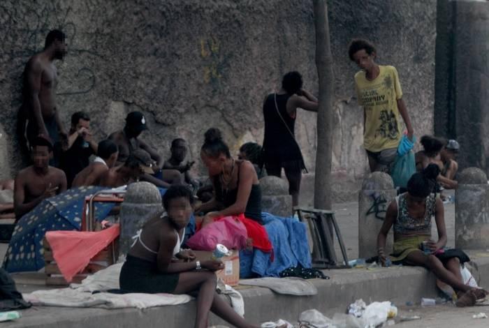 Usuários de drogas na Sousa Barros, em Engenho Novo, Zona Norte