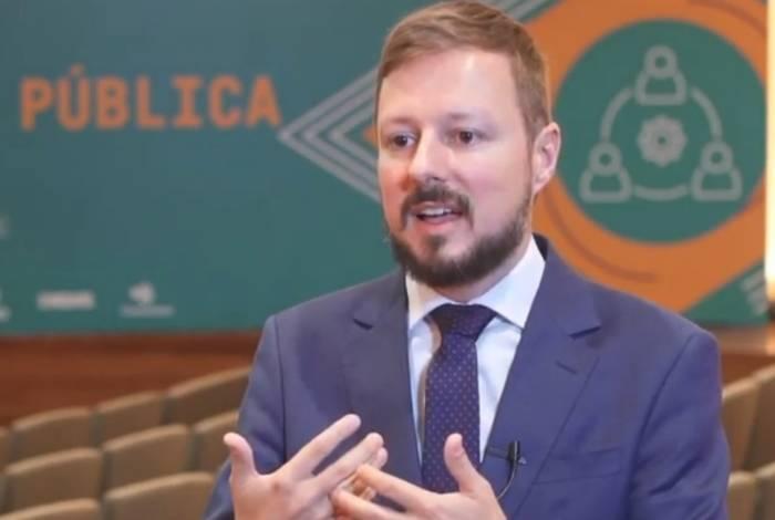 Lenhart defende modernização na administração pública