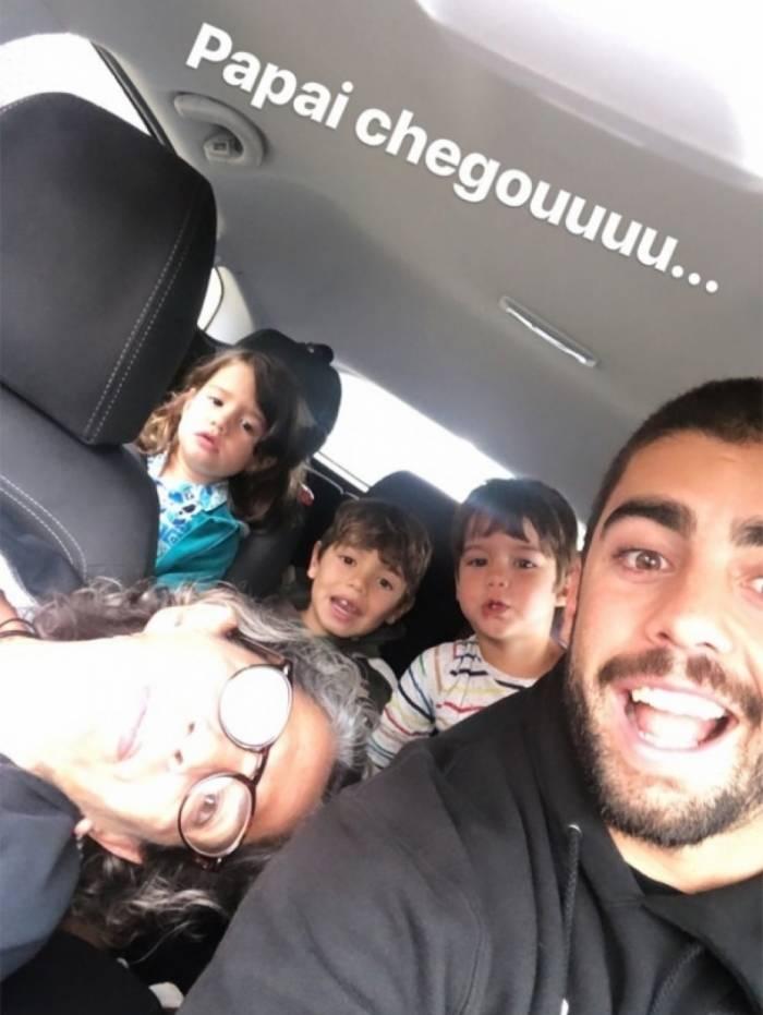 Pedro Scooby com os filhos em Portugal