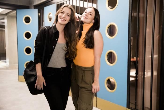 Fabiana (Nathalia Dill) e Virginia (Paola Oliveira)