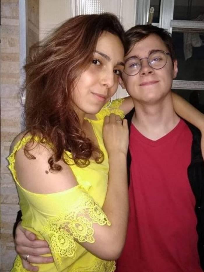 Rafael Miguel publicou uma homenagem ao primeiro ano de namoro no dia 31 de março: 'Eu te amo demais, mulher maravilhosa!'