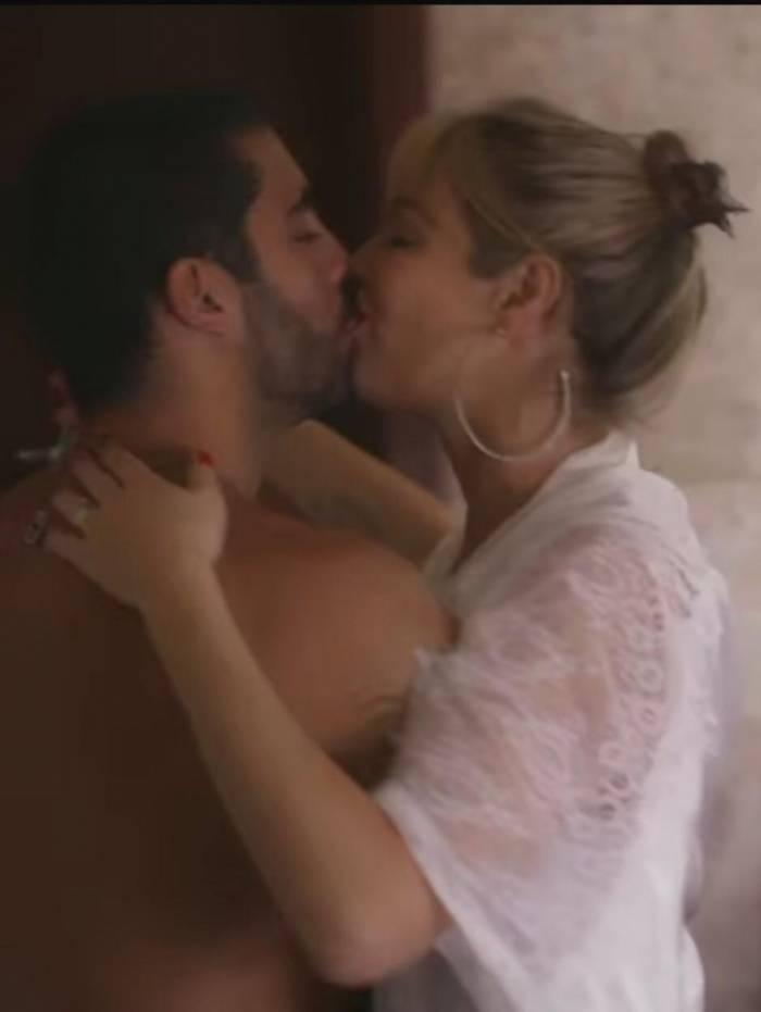 Luana Piovani e Pedro Scooby aos beijos no teaser do 'Luana é de Lua'