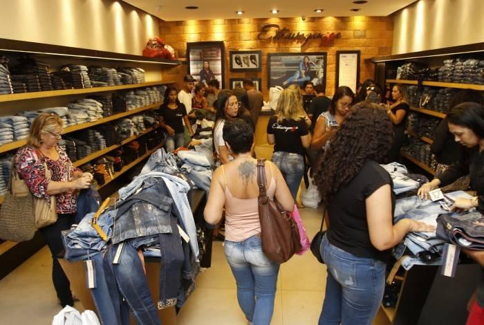 Intenção de compra dos consumidores também subiu este mês