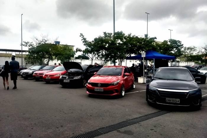 O último encontro de carros modificados no shopping da Zona Norte levou mais de 600 carros e cerca de 25 equipes para o estacionamento do estabelecimento