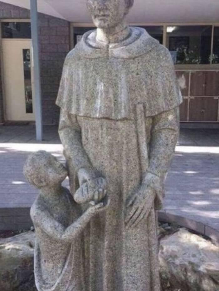 Apesar de nova, estátua acabou sendo substituída