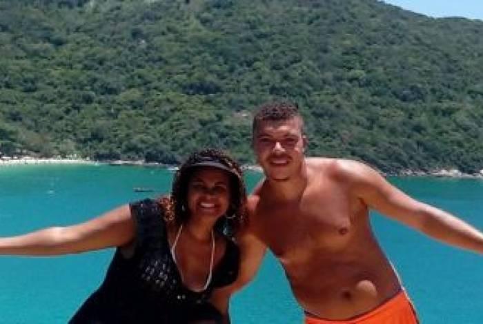 Tamires com Reinaldo: inquérito concluiu que ele assassinou a esposa, ocultou cadáver com a ajuda do pai e forjou desaparecimento. Ele nega o crime