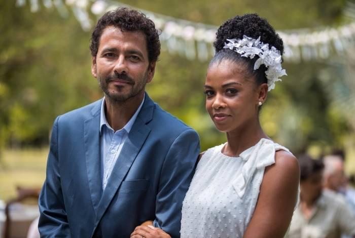 Casamento de Amadeu (Marcos Palmeira) e Gilda (Heloísa Jorge)