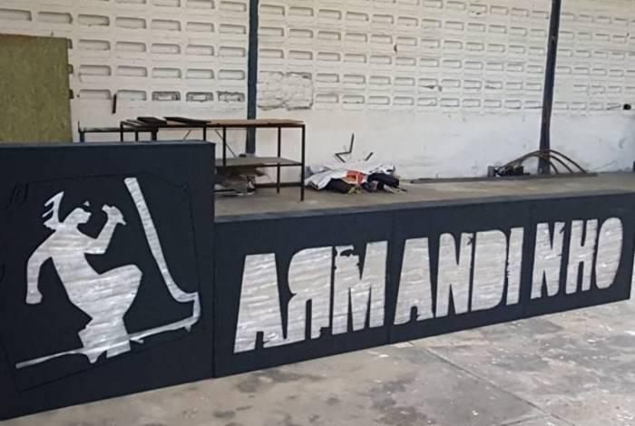 Armandinho faz show com cenário sustentável
