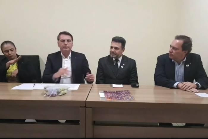 Jair Bolsonaro, em live transmitida ao lado do deputado Marco Feliciano