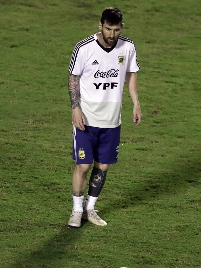 Gênio da bola, Messi tem mais uma vez sobre os ombros o peso de brilhar pela Argentina