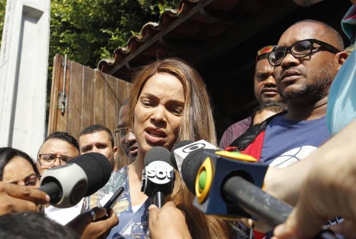 Deputada federal Flordelis (PSD-RJ) fala sobre morte do marido, o pastor Anderson do Carmo, dentro da casa do casal em Niterói