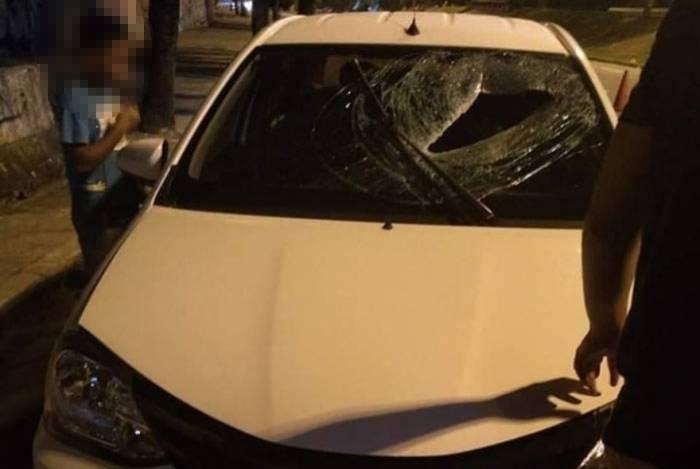 Motorista de aplicativo morre após ser atingido por bloco de concreto