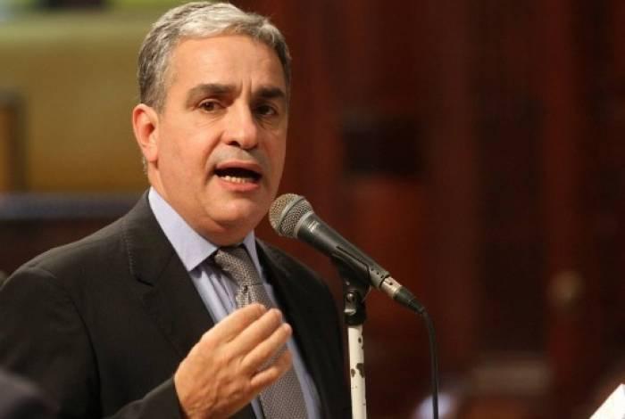 André Ceciliano disse que governo federal não tem política para nada