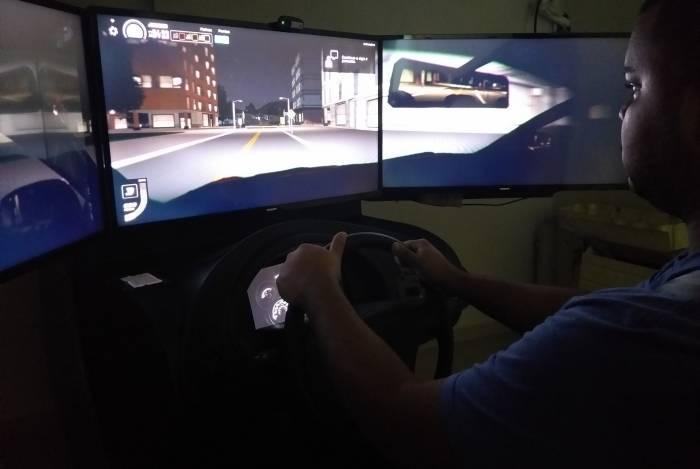 Richard Bruno Monteiro, de 23 anos, acredita que simuladores servem apenas para aqueles que não têm noção alguma de direção