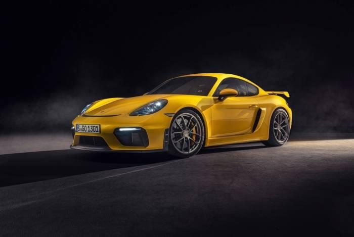 O novo motor boxer tem como base propulsor 4.0 instalado na linha 911 Carrera. Ganho de força foi de 40 cv