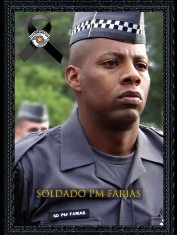 Soldado Farias da PM de São Paulo foi baleado por homens em uma moto, enquanto prendia suspeito