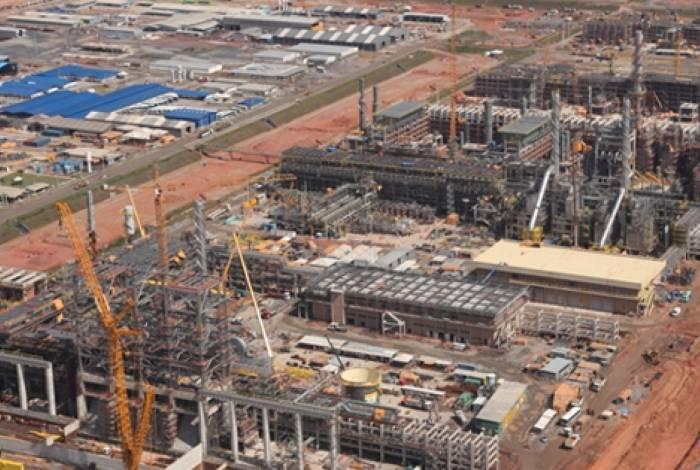 Obras paradas do Comperj causaram prejuízo de R$ 14 bilhões