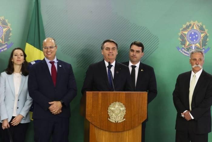Presidente Bolsonaro recebe o CEO da Liberty Media, grupo que comanda a Fórmula 1, Chase Carey, acompanhado do governador do Rio, Wilson Witzel, e do senador Flávio Bolsonaro