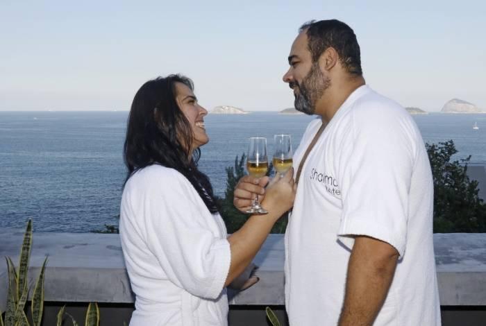 Jacqueline Oliveira e Davi Miranda, posaram na suite do Motel Shalimar, na Avenida Niemeyer, Zona Sul do Rio