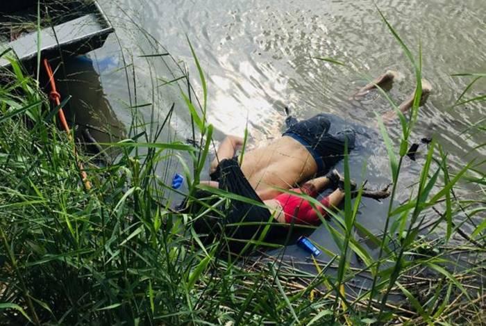 Salvadorenho tentou atravessar rio com filha sob sua camiseta