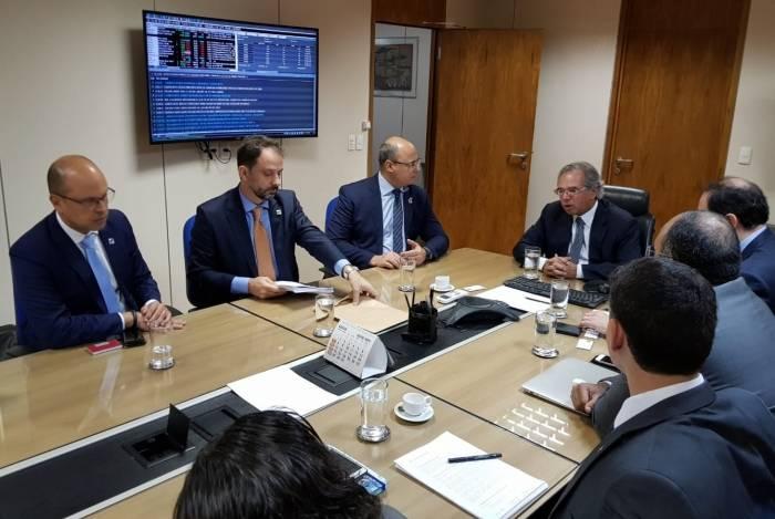 Proposta de revisão do plano foi entregue por Witzel e secretário de Fazenda ao ministro Paulo Guedes