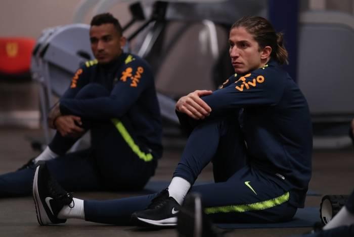 Filipe Luís deve conversar com o Atlético de Madrid para decidir seu futuro
