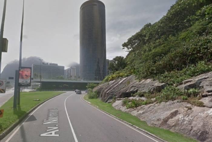 Dupla é detida pichando a Av Niemeyer