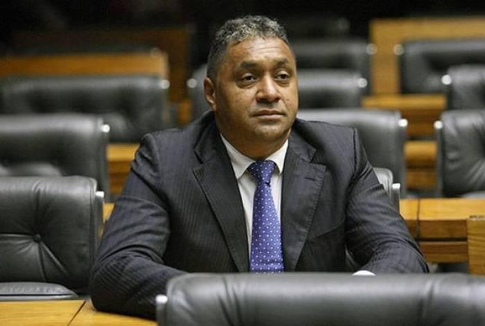 Tiririca acredita que Bolsonaro deve mudar postura