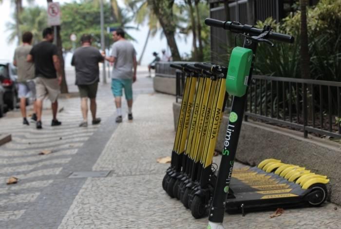 Witzel veta projetos de lei que regulamentavam o uso de patinetes