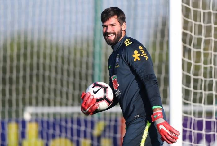 Alisson, goleiro da seleção brasileira, esbanja confiança para a final da Copa América, domingo, contra o Peru