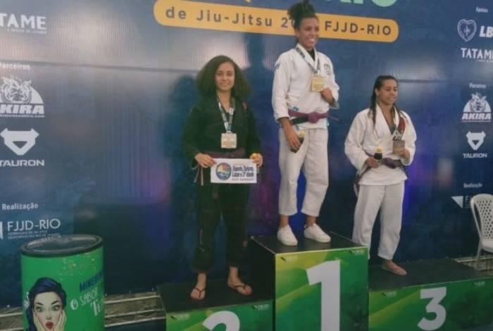 Atleta Leandra Pessoa conquista segundo lugar em campeonato estadual dejiu-jitsu