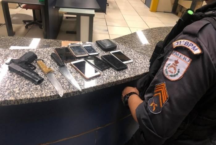 PMs foram acionados para uma denúncia de roubo na estação do BRT Salvador Allende
