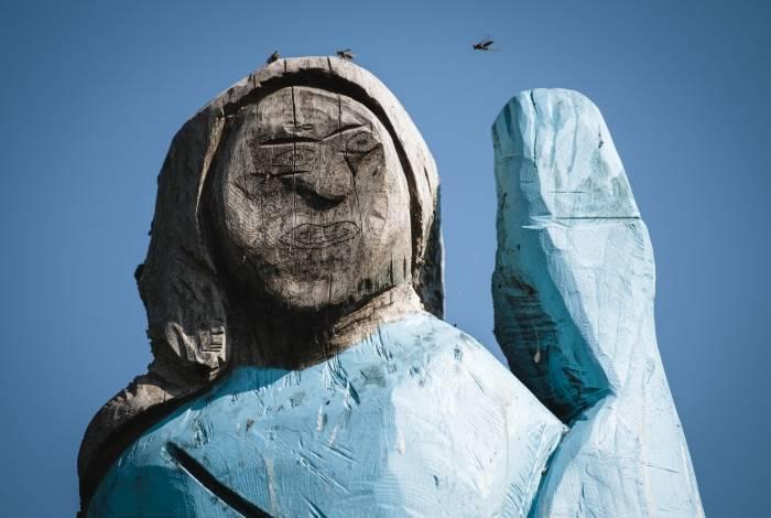 Estátua de Melania Trump em sua cidade natal na Eslovênia