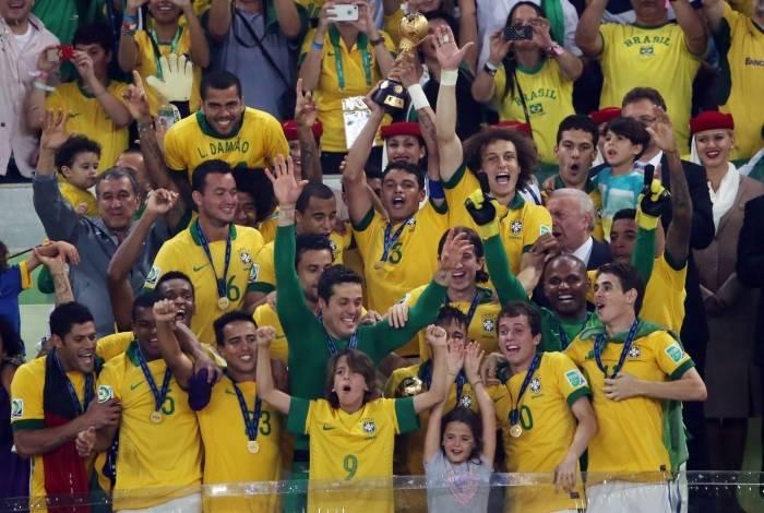 Jogadores da Brasil comemoram o título da Copa das Confederações de 2013