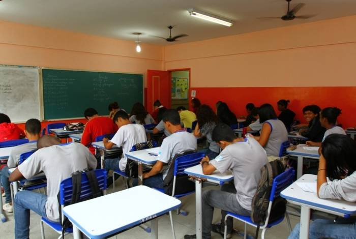 Alunos e professores terão acesso gratuito ao material de estudos
